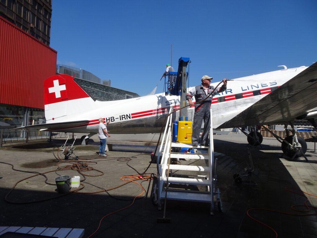 Douglas DC3 HB-IRN